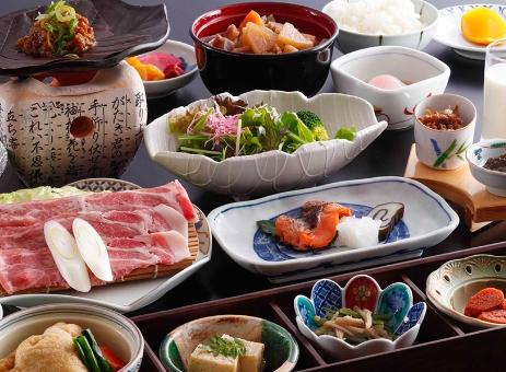 地元食材をふんだんに使用した和朝食